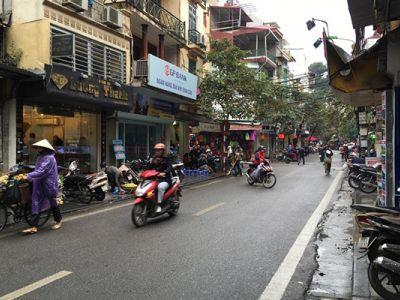 Hang Bac Street در هانوی