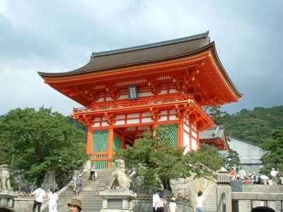 معبد کیومیزو Kiyomizu-dera